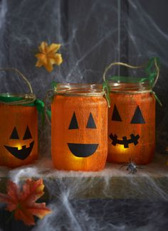 Set the scene with these grinning pumpkin lanterns, they'd look great positioned in windows or out on the door step ready to great trick-or-treaters. Diy Halloween, Halloween Crafts For Toddlers, Toddler Halloween, Toddler Crafts, Halloween Decorations, Kids Crafts, Pumpkin Crafts, Fall Crafts, Cupcakes Decorados