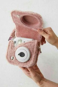 Polaroid Instax Mini, Instax Mini 8, Polaroid Camera Case, Cute Camera, Mini Camera, Fujifilm Instax Mini, Urban Outfitters, Accessoires Iphone, Accesorios Casual