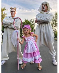 Pin by Daisydolly on Everleigh rose and Cole Cute Couple Halloween Costumes, Pregnant Halloween Costumes, Family Costumes, Cool Kids Costumes, Halloween Ideas, Little Bo Peep Costume, Cole And Savannah, Savannah Soutas, Couple With Baby