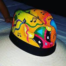 Resultado de imagen para sombreros PINTADOS A MANO DE CARNAVAL Moda Tribal, Sun Hats, Snapback, Barbie, Cap, Crafts, Painting, Ideas, Style
