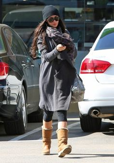 Demi Moore Photos - Newly single actress Demi Moore stops by Great Earth Vitamins in West Hollywood, California on February 11, 2013. - Demi Moore Shops For Vitamins