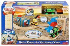 Thomas Wooden Railway - Reg and Percy At The Scrap Yard