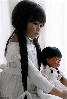 Mithi and Marieta by MiriamBJDolls, via Flickr http://www.flickriver.com/groups/654666@N20/pool/random/