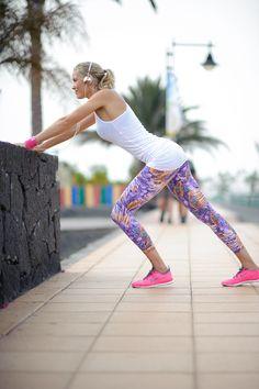 Deze print legging is de eye-catcher van Baseativa. Dit merk staat voor een stoere, vrouwelijk look met attitude, en dat zie je duidelijk terug bij de Estampada.