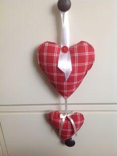 Twee rode hartjes