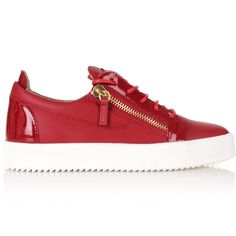 Giuseppe Zanotti Frankie Logo Low-Top Sneakers ($795) ❤ liked on Polyvore featuring men's fashion, men's shoes, men's sneakers, mens lace up shoes, mens low profile shoes, mens zipper shoes, men's crepe sole shoes and giuseppe zanotti mens sneakers