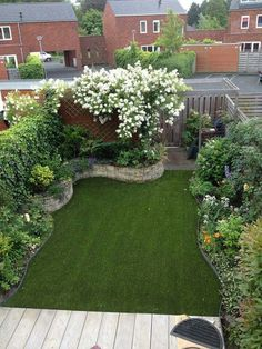 Best Small Yard Landscaping & Flower Garden Design Ideas Because you have a small garden, it doesn't want to work a lot. A small garden can be very exotic with just a little planning. Improving a beautiful modern garden [ … ] Small Backyard Landscaping, Backyard Garden Design, Small Garden Design, Landscaping Ideas, Backyard Ideas, Balcony Garden, Mulch Landscaping, Backyard Designs, Garden Turf