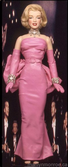 This is one of the best looking Marilyn dolls I've seen