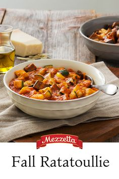 When the weather starts to cool down, warm up with a bowl of comforting Fall Ratatouille. A hearty mix of veggies and Napa Valley Homemade pasta sauce makes this dish perfect for the season. Learn how to make it!