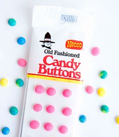 """""""Old Fashioned Candy Buttons"""".Ah, I remember these! Retro Candy, Vintage Candy, Vintage Toys, Vintage Stuff, Vintage Holiday, Old School Candy, Candy Cigarettes, Nostalgic Candy, Old Candy"""