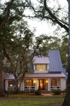 From historic neighborhoods to luxury communities, Bluffton's Lowcountry abodes are designed to harmonize with the landscape.