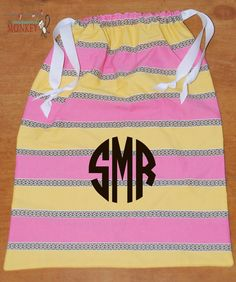 pink stripe drawstring bag perfect for traveling   $15