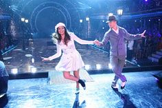 Derek Hough & Bethany Mota dance to Gene Kelly's famous Dancing In the Rain  -   Dancing With the Stars  -  Season 19  -  week 3 Movie Night  -   9/29/2014