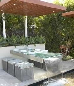 Water Feature example made of a table Table Fountain, Fountain Ideas, Fountain Design, Pergola Pictures, Outdoor Furniture Sets, Outdoor Decor, Outdoor Ideas, Garden Furniture, Indoor Outdoor