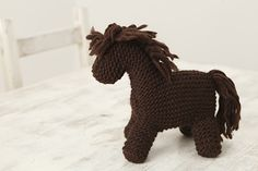 Knitted horse :)