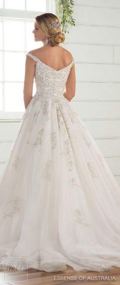 Wedding Dress by Essense of Australia Fall 2017_D2379_07