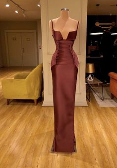 - Source by marina_najm - Prom Girl Dresses, Glam Dresses, Prom Outfits, Event Dresses, Fashion Dresses, Fashion Pants, 90s Fashion, Stunning Dresses, Beautiful Gowns