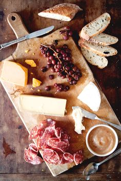 Here's How to Make the Perfect Cheese Board for Your Labor Day Weekend BBQ!  #InStyle