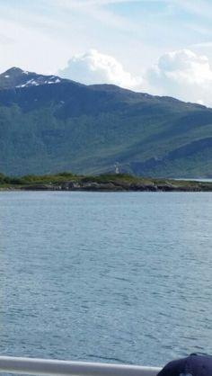 Polarsirkelen ble krysset til sjøs Mountains, Nature, Travel, Naturaleza, Viajes, Trips, Off Grid, Natural, Mother Nature