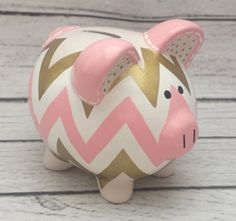Personalized Piggy bank Coral gold and cream by Alphadorable Pottery Painting, Diy Painting, Personalized Piggy Bank, Diy And Crafts, Arts And Crafts, Piggy Banks, Cute Piggies, Diy Clock, Coral And Gold