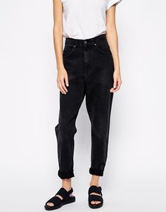 I'm loving these black mom jeans. http://asos.to/1yvxViA