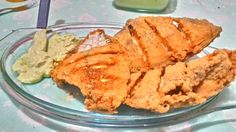 Peroá empanado com maionese caseira com  cebolinha, salsa e manjericão.
