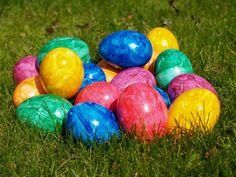 easter egg pics   Beautiful Easter eggs in grass wallpaper