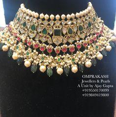 (Omprakash Jewellers Ajay Gupta - Omprakash Jewellers & Pearls, A Unit by Ajay Gupta, Liberty Circle, Himayathnagar (Hyderabad) For D - Indian Jewelry Sets, Indian Wedding Jewelry, Bridal Jewelry, Bridal Jewellery Inspiration, Stylish Jewelry, Fine Jewelry, Pretty Necklaces, Emerald Jewelry, Jewelry Patterns