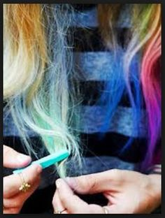 Need some temporary color? I've tried hair chalk from Free People and loved the results :) and available on trendslove – Studentrate Trends - Beauty Esthetic Hair Ombre Hair, Blonde Hair, Hair Color Brands, Organic Hair Color, Hair Chalk, Let Your Hair Down, Grunge Hair, Hair Dos, Dyed Hair