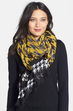 Houndstooth Oblong Scarf
