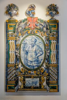 The moors introduced #tiles in #Portugal in the 15th century. Since then, #portuguese artists have been creating incredible compositions. Find these in the National Tile Museum in #Lisbon.