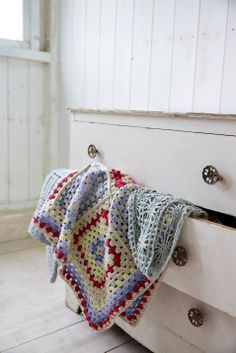 Crochet blankets and scarf #crochet #yarn