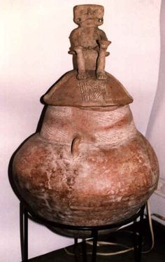 Imagen relacionada Ancient Art, Archaeology, South America, Magdalena, Jar, Home Decor, Culture, Old Art, Decoration Home