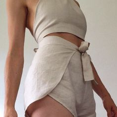 How to wear shorts after 40 over 40 ideas Look Fashion, Diy Fashion, Fashion Outfits, Womens Fashion, Fashion Design, Mode Chic, Mode Style, Style Me, Sewing Clothes