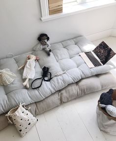 Kinderzimmer Ideen für Familien To put under the kids' beds rather than a trundle How Can You Build Kids Floor Cushions, Floor Pillows, Throw Pillows, Playroom Design, Kids Decor, Home Decor, Kids Corner, Reading Nook, Kid Spaces