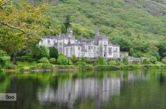 Kylemore Abbey, Galway, Ireland — by Alex Wallace. Kylemore Abbey, a Benedictine Monastery in Summer Ireland Vacation, Ireland Travel, Monuments, The Places Youll Go, Places To See, Connemara Ireland, Galway Ireland, Road Trip, Blog Fotografia