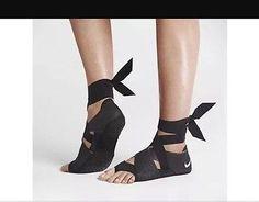 Women's Nike Studio Wrap Pack 3 Black Size 6 XS 684870 001 New In Box