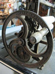 Toni Hartill Art: Restoring and repurposing an old mangle to use as a printing press
