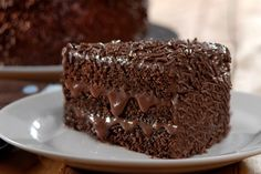 Chocolate cake with condensed milk filling Sweet Recipes, Cake Recipes, Dessert Recipes, Chocolate Recipes, Chocolate Cake, Brigadeiro Chocolate, Easy Smoothie Recipes, Pumpkin Spice Cupcakes, Fall Desserts