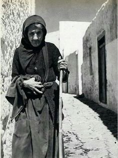 Skyros 1950. Greece History, Old Greek, Extraordinary People, The Old Days, Athens Greece, Greek Islands, World Cultures, Old Photos, Egypt