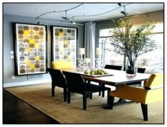 Black Dining Room Decor ideas - What pieces of furniture go in a dining room? Black Dining Room Decor ideas - What should I put on my dining room wall? Yellow Dining Room, Casual Dining Rooms, Luxury Dining Room, Beautiful Dining Rooms, Dining Room Walls, Dining Room Sets, Dining Room Design, Dining Room Furniture, Living Room Decor