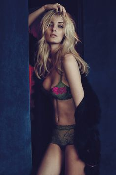 4540bd2188 Denisa Dvorakova y la elegancia Luxury Lingerie, Lingerie Models, Beautiful  Lingerie, Andres Sarda