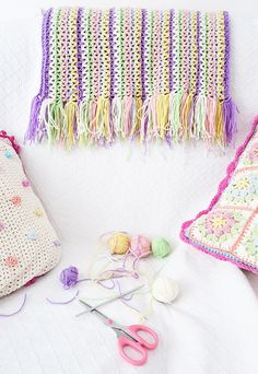 LoveCrochet Mystery crochet Project with Hearthandmade and Annemarie Benthem - Crochet baby blanket in pastel shades using Cascade Superwash 220 Sport limited edition colour pack