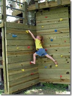 DIY climbing wall. At the school... Kids Outdoor Play, Kids Play Area, Backyard For Kids, Outdoor Fun, Diy For Kids, Play Areas, Outdoor Toys, Backyard Projects, Kids Rock Climbing