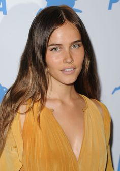 Isabel Lucas natural makeup