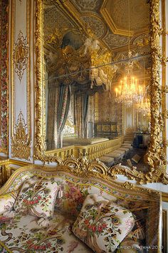 Marie Antoinette's Bedroom at Versailles, I was very lucky to be in this room with my sister in law Stacey, and my beautiful nieces Kelsey and Emilie.