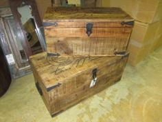 V018 Photo:  This Photo was uploaded by birminghamnadeau. Cute Trunks For a Small Coffee Table or a Boys Room