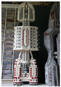 SIZE MATTERS: A LEGO® creation by Garry King : MOCpages.com