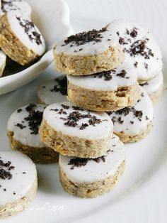 milky oreo cookies Nutella Chocolate Chip Cookies, Oreo Cookies, Brownie Trifle, Bakery Recipes, Cookie Recipes, Food Inspiration, Doughnuts, Brownies, Biscuits