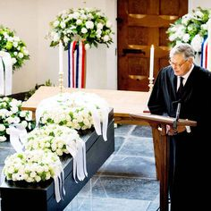 Reverend Carel ter Linden leads the funeral service for Netherlands' Prince Johan Friso at the Stulpkerk church in Lage Vuursche, on August 16, 2013. Friso, the brother of the new Dutch king, died on Monday in a royal palace in The Hague, 18 months after a skiing accident left him in a coma.